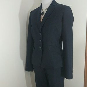 Anne Klein 2-pc navy pant suit 4